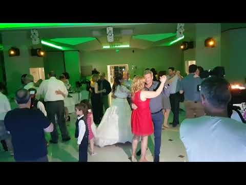 ROMANTIC MOMENTS FOR EVERYONE AT WEDDING PARTY BY YOUR DJS