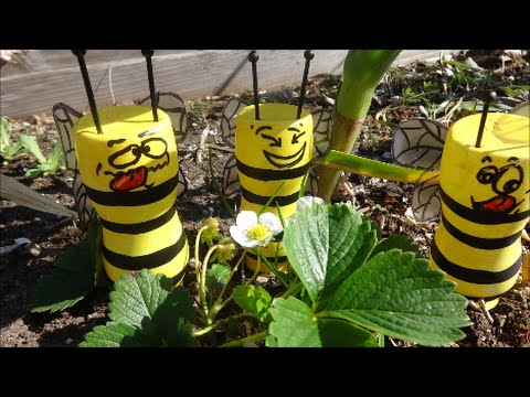 Cмотреть видео онлайн МК Как Сделать Пчел из Пластиковых Бутылок для Вашей Дачи