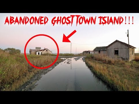 EXPLORING ABANDONED GHOST TOWN ISLAND! CREEPY HAUNTED ? | MOE SARGI