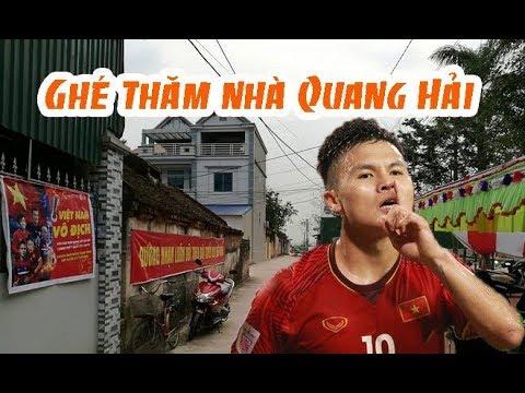 Ghé thăm nhà Quang Hải trước trận chung kết với Malaysia