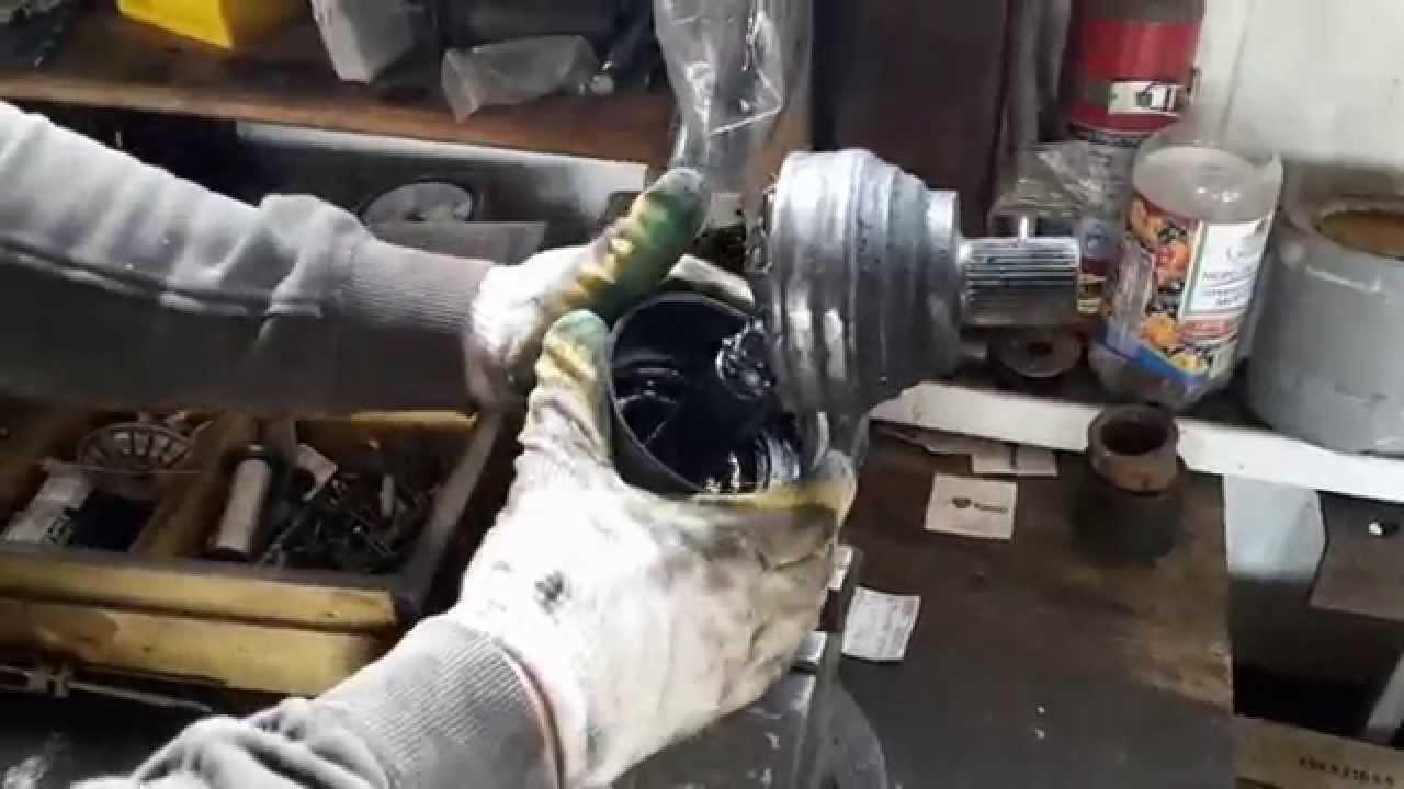 как поменять пыльник на шрузе тоета тоунайс