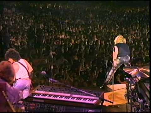 Hall & Oates - Adult Education (Live)