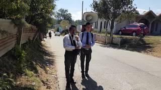Evangelisando en las calles de Guatemala