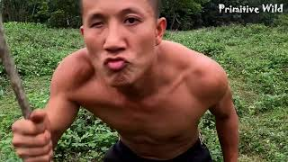 Primitive Life: Guy Meet Wild Girl's Sleep and Cooking Fish - eating delicious