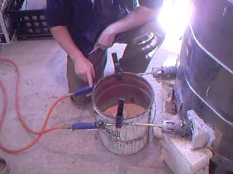 SIMON LEACH POTTERY - Lighting up my converted propane gas kiln !