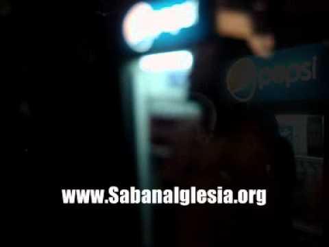 www.SabanaIglesia.org Karaoke en La Galeria.wmv