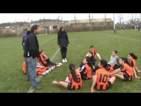 FC Nivå Girls 2012 første kamp.mp4