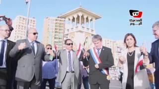 برلمانيو مصر وفرنسا يلقون الزهور من كوبري ستانلي لتأبين ضحايا «الطائرة المنكوبة»