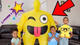 Pretend Magic Wand Turns Emoji into JUMBO Dancing Emoji! FamousTubeKIDS