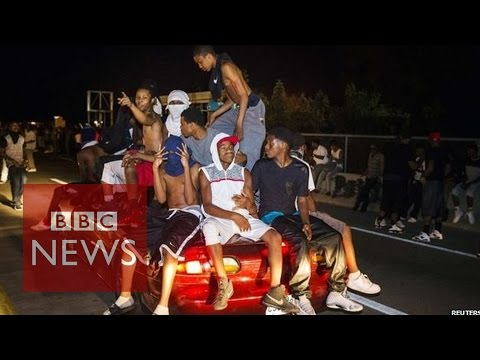 Michael Brown shooting: Violence turns to peace in Ferguson Missouri - BBC News