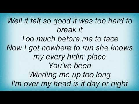 Alan Parsons Project - Winding Me Up Lyrics