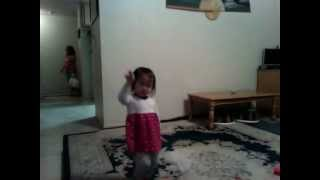 Tiffany dancing 2012-11-06