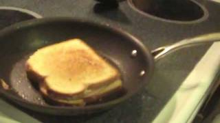 How to Make a Grilled Ham & Cheese Sandwich