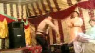Mehndi Merirage cermony dance in pakistan ( bilo ni tera lal ghagra )
