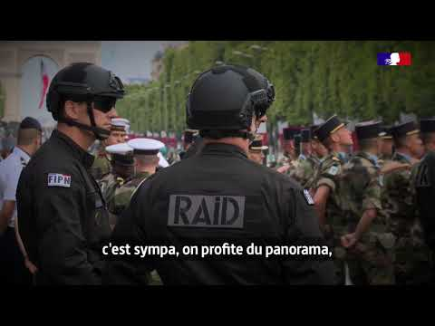 #14Juillet Quelques mois après les attentats, Julien a défilé pour le RAID lors du 14 Juillet 2015