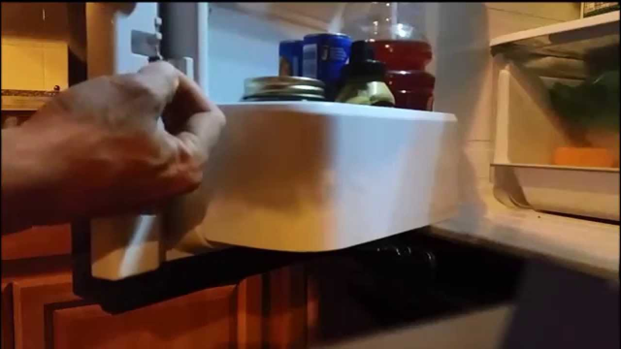 how to take off fridge door handles