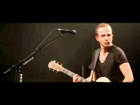 Calogero - La Bourgeoisie Des Sensations- Live Acoustique- (Greek Subtitles)