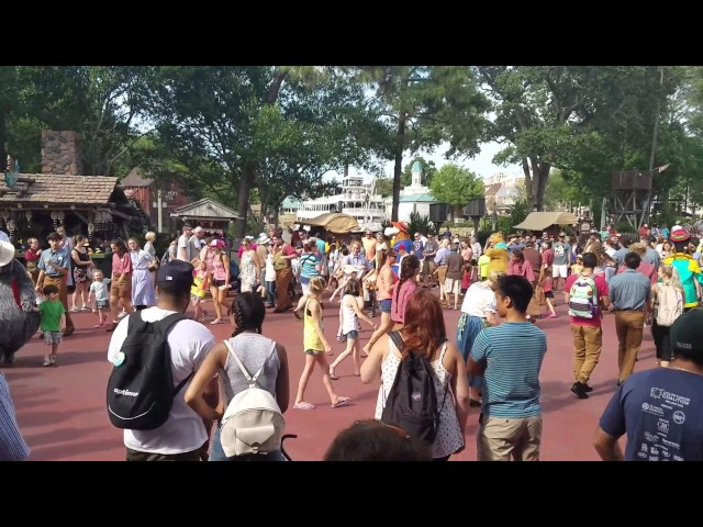 frontierland-hoedown-happening-in-the-magic-kingdom