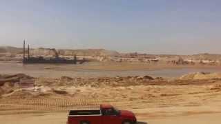 الحفر والتكريك فى القطاع الجنوبي من قناة السويس الجديدة 1يناير2015