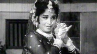 pela-kasa-bharena-asha-bhosle-chuda-tujha-savitricha---marathi-dance-song