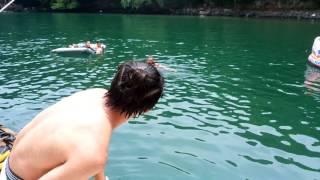 初めて泳がせた.