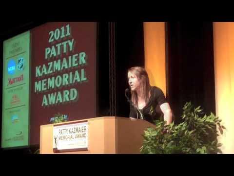 Meghan Duggan Wins 2011 Patty Kaz Award