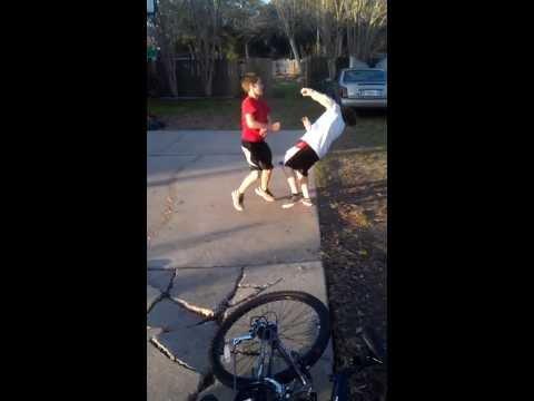 Skinny white boy and fat white boy fight