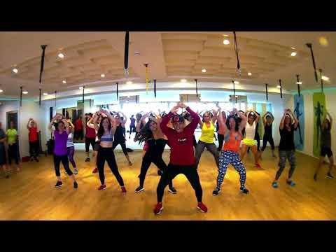 Dame tu Cosita (Remix) - El Combo ft Pitbull ft Carolg - Coreografia