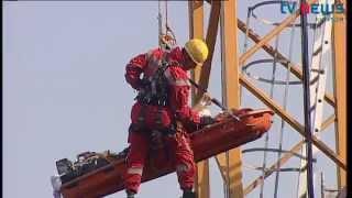 Herzprobleme in 35 Metern Höhe: Höhenretter der Feuerwehr im Einsatz