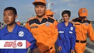 2 thuyền viên nhảy xuống biển được tàu nước ngoài cứu  VTC