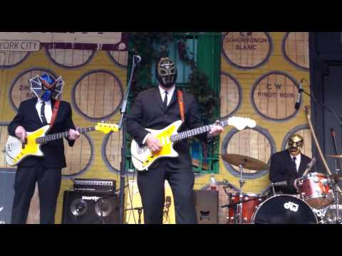 Los Straitjackets @ City Winery Music Festival 6/11/13
