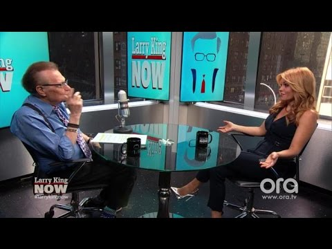 Candace Cameron Previews 'Fuller House', Talks Olsen Twin's Absence | Larry King Now | Ora.TV