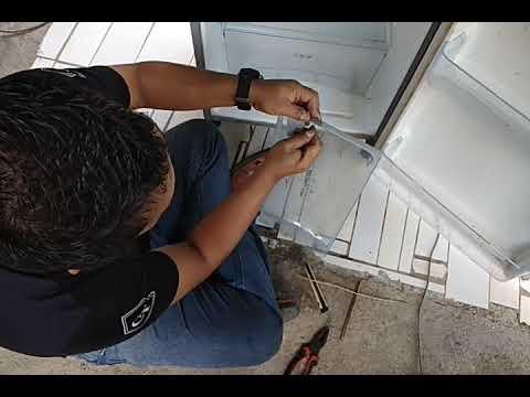 Cara Memperbaiki Pintu Frezer Pecah Patah Youtube