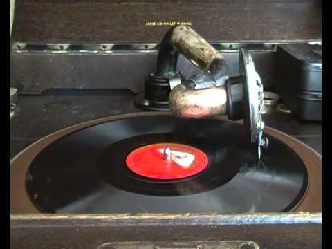 Enrico Caruso - La donna e mobile - on 78 rpm gramophone record His Masters Voice
