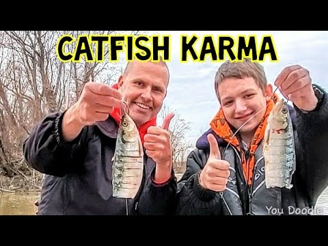 CATFISH KARMA (Fishing For Catfish On The Mississippi River)