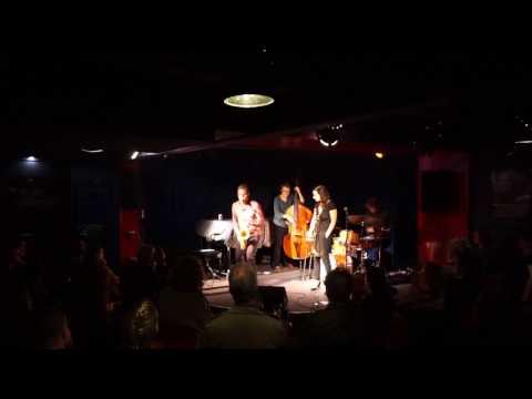 Shannon Barnett Quartett | Chasing The Second | feat. Stefan Karl Schmid, David Helm & Fabian Arends