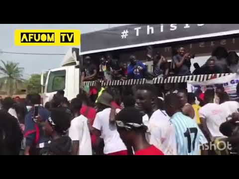 Download Watch Full Video :SARKODIE's Father Spotted + More Fans at THIS IS TEMA - HEALTH WALK