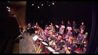 Play Moten Swing (live)