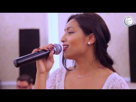 Malyna & Formatia Mierea Romaniei - La tara infloresc toti pomii (Live event)