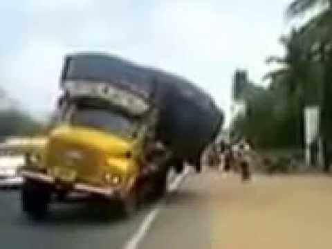 Live Truck accident in indore