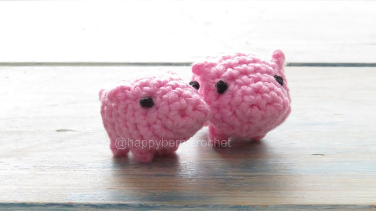 Free Crochet Pattern Keychain Little Lucky Pig | 720x1280