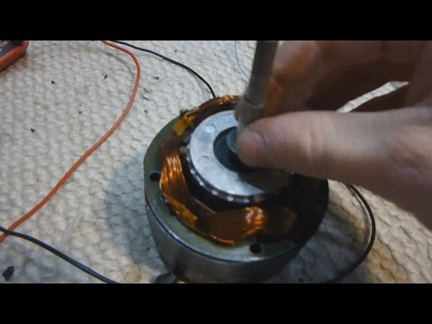 Unmodified AC Induction Motor Working as a Generator Experiment