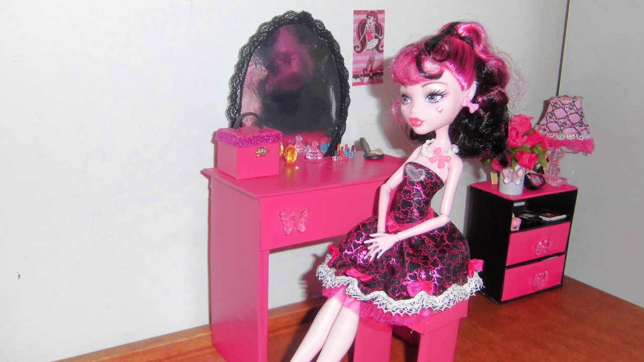 How to make a Bedroom Vanity for doll Monster High