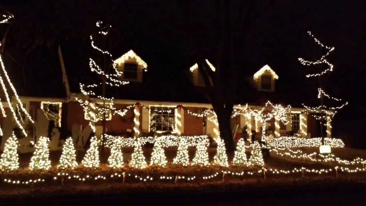 Griswold Christmas Lights.Wichitans Channel Clark Griswold With Christmas Lights