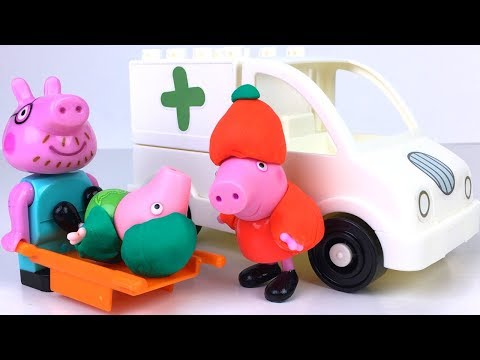 STORY WITH PEPPA PIG SKIING  GEORGE'S ACCIDENT AND PAPA PIG IS DIVING THE AMBULANCE TO HOSPITAL