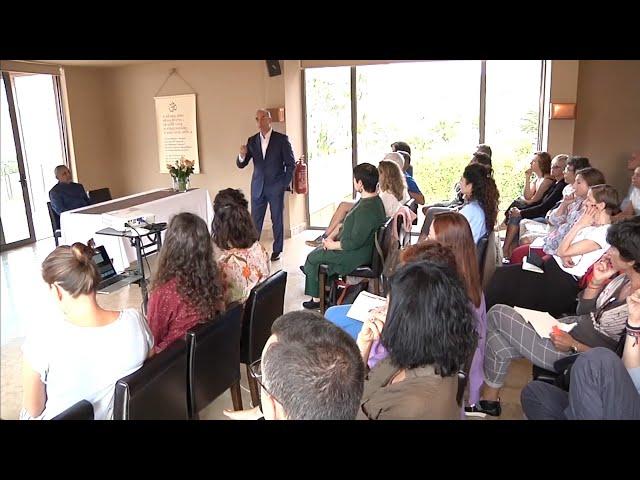 Modern Medicine and Ayurveda | Dr Nikolaos Kostopoulos