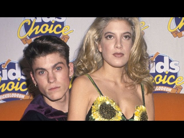 Tori Spelling Reveals She Slept With Jason Priestley During '90210'
