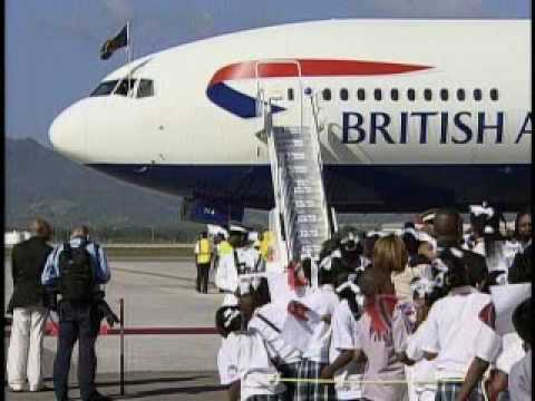 Arrival of Her Majesty The Queen Elizabeth II  Part 1.wmv