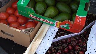 VLOG 3. Где сыроеду в Москве купить еду. Фуд Сити .Как за мной устроили слежку(, 2016-06-28T02:18:44.000Z)