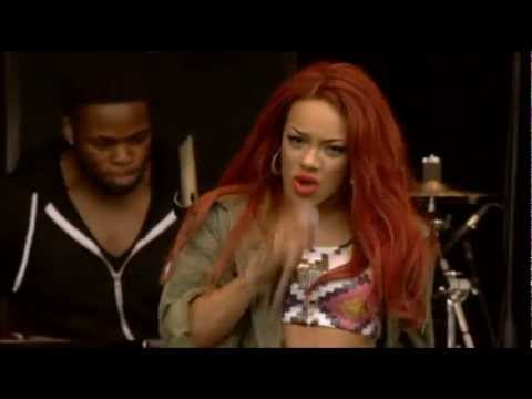 Stooshe - Kiss Chase (T in the Park 2012)